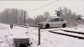 Uwaga kierowcy. Marznący deszcz i lód na drogach