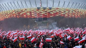 11-11-2015 20:16 Kilkadziesiąt tysięcy osób wzięło udział w Marszu Niepodległości w Warszawie. Tym razem było spokojnie