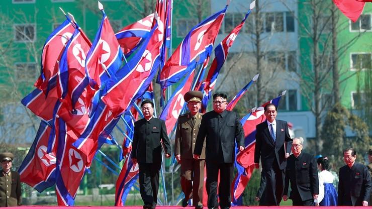 """Korea Północna zapowiada """"bezlitosne spustoszenie"""" USA w razie ataku militarnego"""