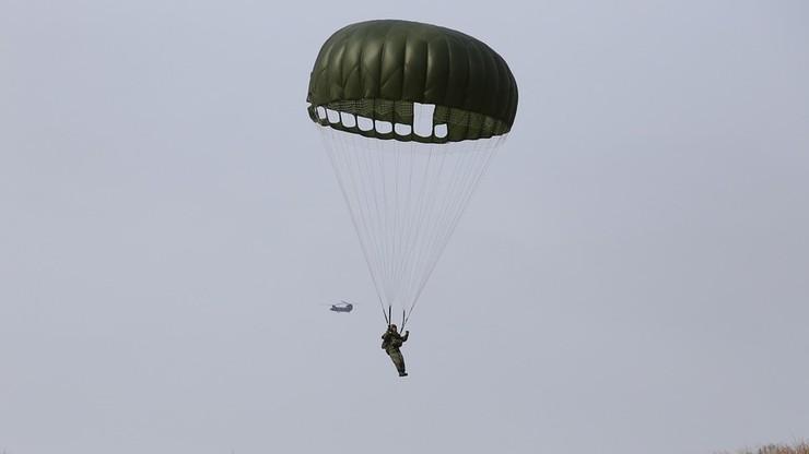 Tragedia podczas szkolenia spadochronowego. Zginął żołnierz