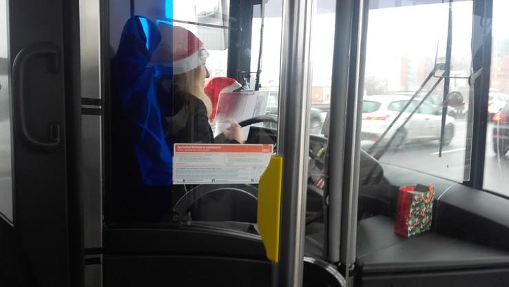 2016-12-06 Mikołajkowa atmosfera w warszawskim autobusie linii 178
