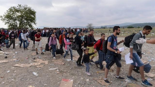 Węgry: Policja użyła gazu łzawiącego na granicy z Serbią
