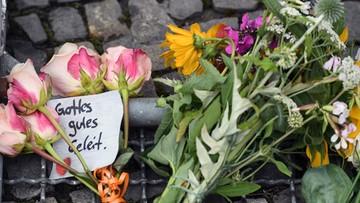 """15-07-2016 11:22 #PrayForFrance i """"Minutą ciszy nie obronimy się"""". Internet reaguje na akt terroru w Nicei"""
