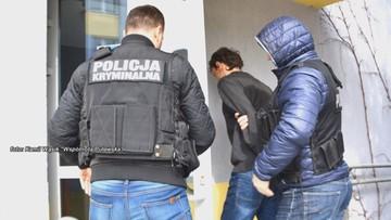 12-05-2017 17:52 Syn wiceprezydenta Puław włamał się i zadźgał psa. Później pobił sąsiadkę