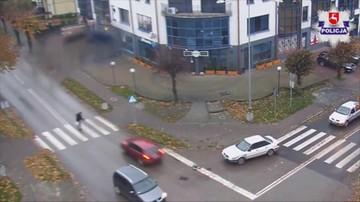 31-10-2016 15:30 Rozpędzone audi uderza w pieszego na pasach. Zobacz, jak do tego doszło