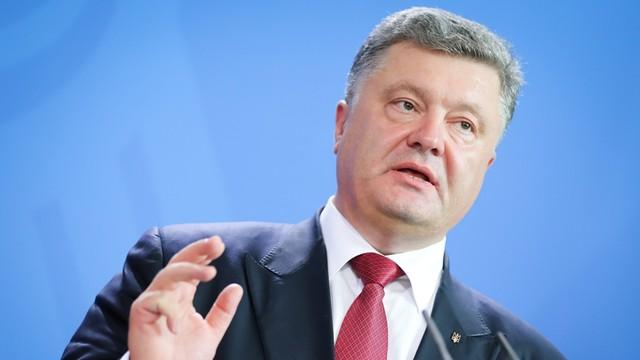 Poroszenko apeluje o wstrzymanie przewozu towarów na Krym