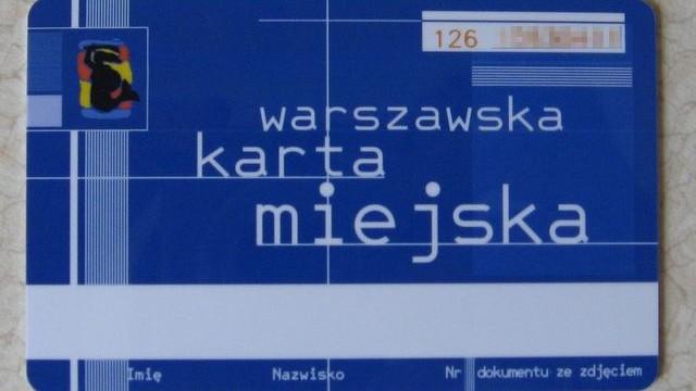Akt oskarżenia przeciwko 3 osobom nielegalnie doładowującym Warszawskie Karty Miejskie