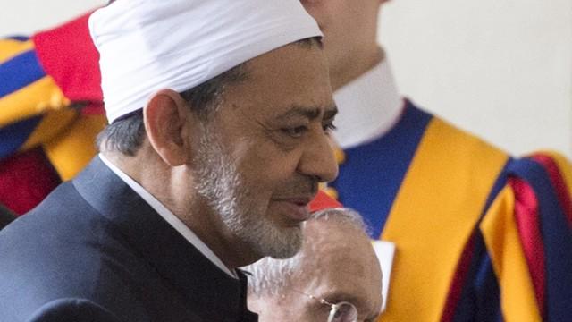 Papież przyjął na audiencji wielkiego imama uniwersytetu Al-Azhar