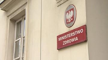 """20-09-2016 07:59 Czekają na premier Szydło. Przedstawicielki NSZZ """"Solidarność"""" nie opuszczą gmachu resortu zdrowia"""