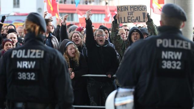 Niemcy: Policja rozwiązała demonstrację ruchu Pegida w Kolonii