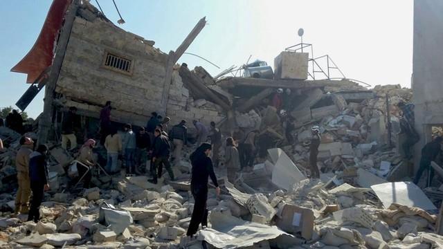 UE wzywa Rosję i reżim syryjskich do zaprzestania bombardowań Aleppo