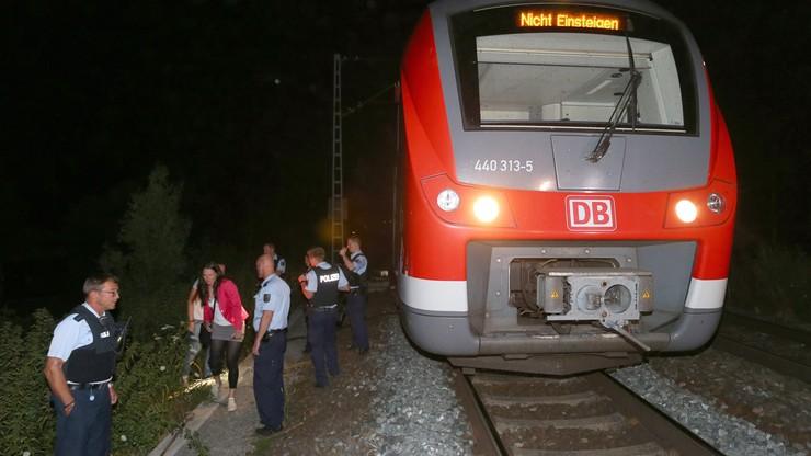 Niemcy: atak w pociągu. Cztery osoby ciężko ranne