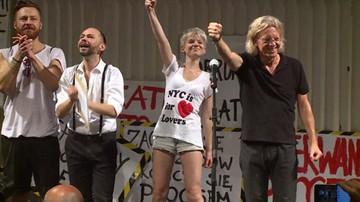 """26-08-2016 14:36 """"Nie niszczcie teatru"""". Protest artystów Teatru Polskiego we Wrocławiu"""