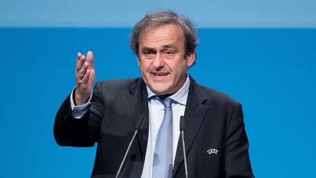 UEFA popiera Platiniego w walce o fotel prezydenta IFIFA