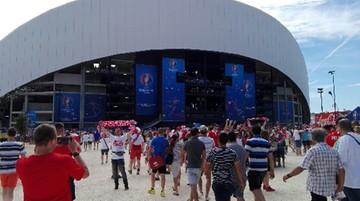 2016-06-21 Polacy wchodzą na stadion w Marsylii. Będą trzymać kciuki za awans naszej reprezentacji w Euro 2016!
