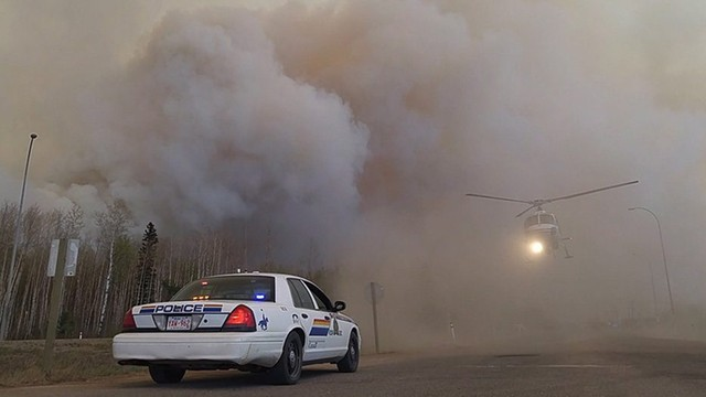 Przez pożary w Kanadzie, w USA drożeje ropa. Zwyżki prawie 3%