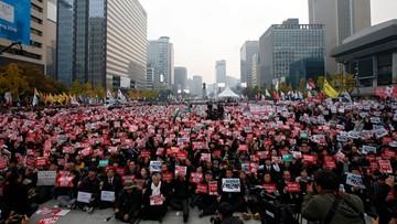 05-11-2016 11:24 Tysiące Koreańczyków wyszło na ulicę. Demonstrowali przeciwko prezydent
