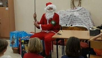 Mikołaj-nacjonalista z ONR w świetlicy Caritasu