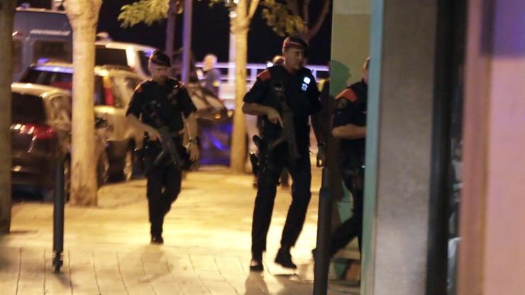 Władze o ataku w Cambrils: pasy z ładunkami wybuchowymi były atrapami