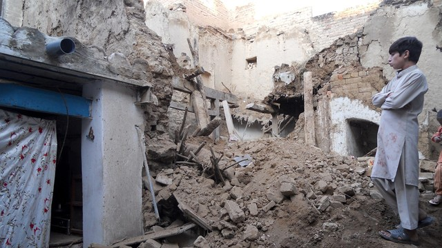 Silne trzęsienie ziemi w Azji, ponad 100 ofiar w Pakistanie