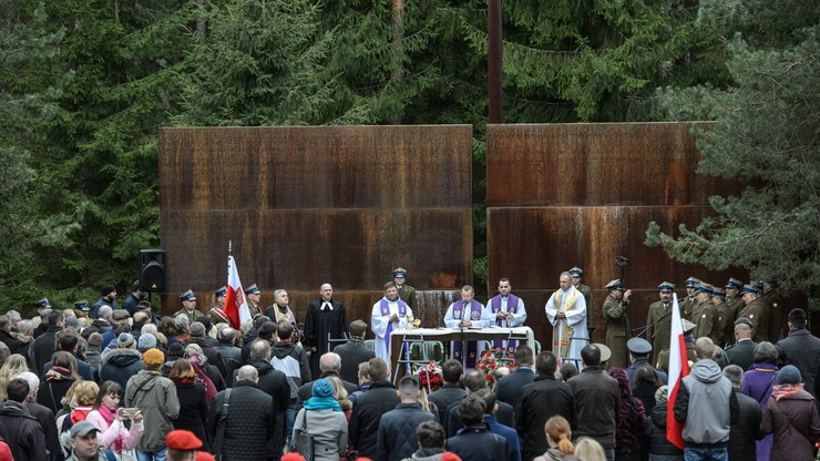 """""""Ofiary zbrodni katyńskiej to był kwiat polskiej inteligencji"""". Uroczystości upamiętniające ofiary NKWD"""