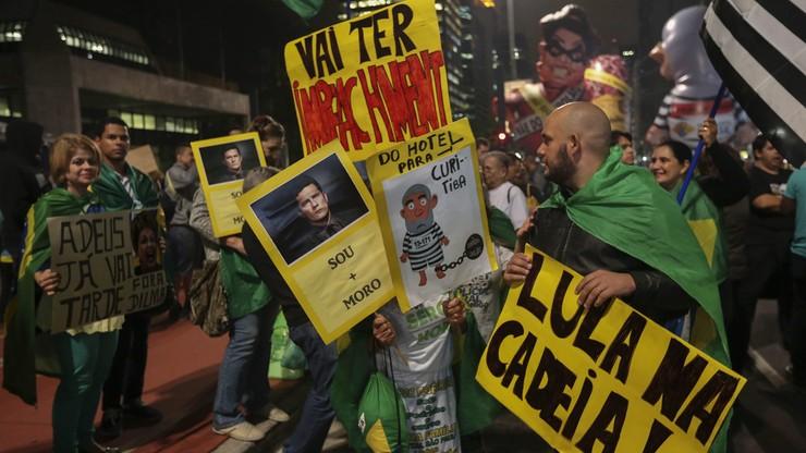 """""""Precz z Dilmą!"""". Protesty i zamieszki na ulicach Sao Paulo"""
