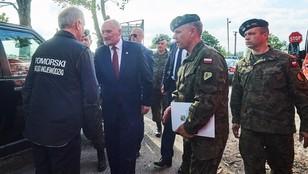 Opieszały MON. Czy wojsko zbyt późno zabrało się za pomoc poszkodowanym w nawałnicach?