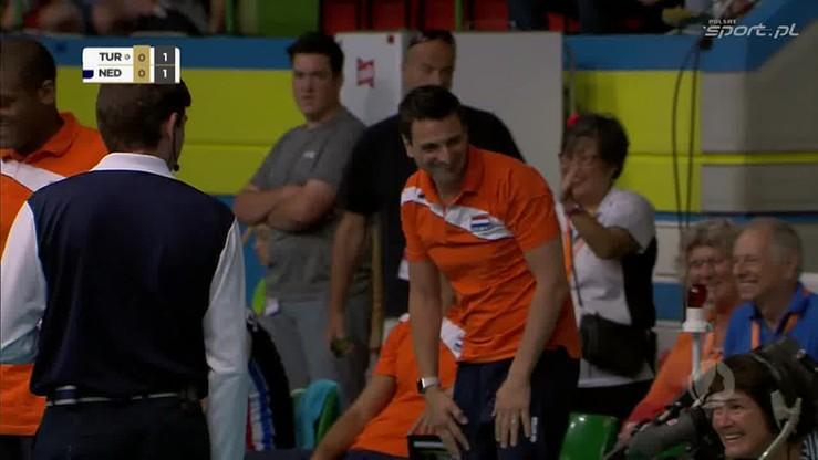 Holenderka wpadła... w operatora kamery! Trener nie powstrzymał śmiechu