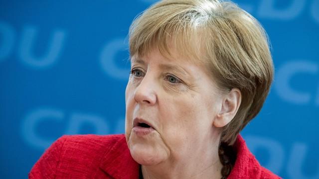 Co drugi Niemiec przeciwny kolejnej kadencji kanclerz Merkel