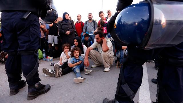 Chorwacja grozi zamknięciem granicy z Serbią