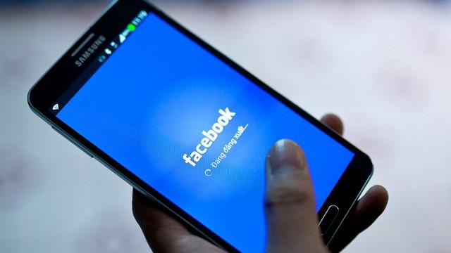 Minister cyfryzacji spotka się z przedstawicielem Facebooka ws. blokowania kont