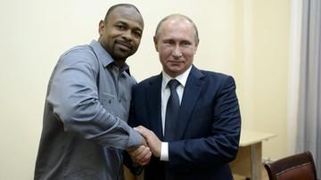 2015-09-12 Putin przyznał rosyjski paszport Jonesowi Jr.