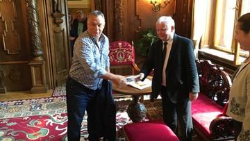 09-08-2016 17:32 Kaczyński rozmawia z Orbanem. Prezes PiS z wizytą na Węgrzech [ZDJĘCIA]