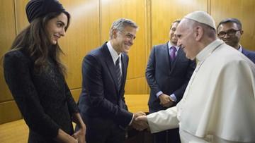 29-05-2016 21:41 Hayek, Clooney i Gere nagrodzeni w Watykanie