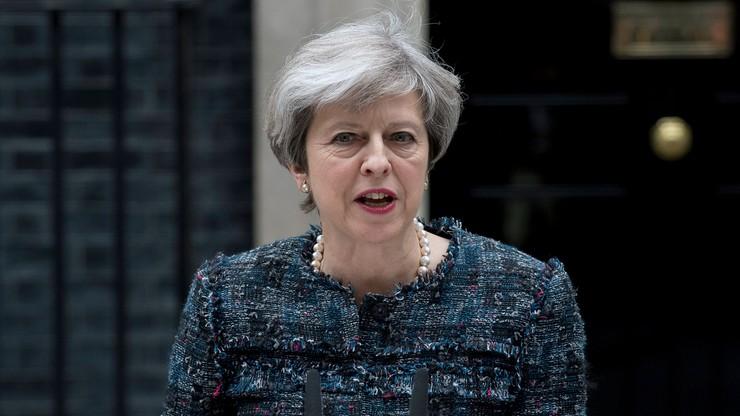 Torysi i laburzyści zawieszają kampanie wyborcze