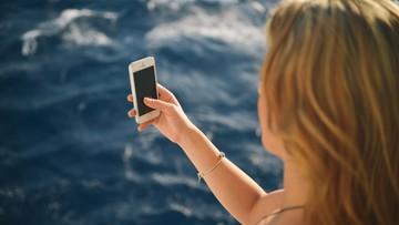 15-04-2016 08:50 Co czwarta Polka zdradza partnerowi hasło do smartfona
