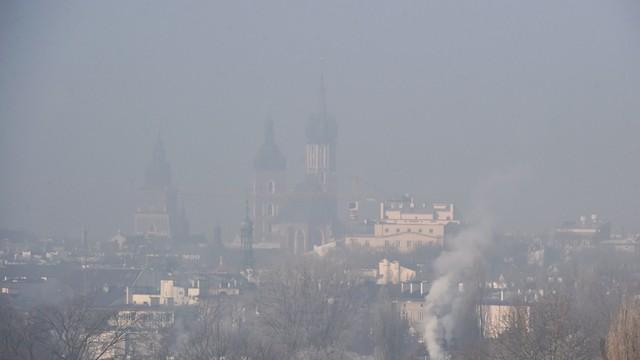 Prezydent Krakowa apeluje o korzystanie z komunikacji miejskiej w związku ze smogiem
