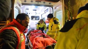 21-01-2017 08:10 Z ruin zasypanego hotelu wydobyto kolejne trzy żywe osoby