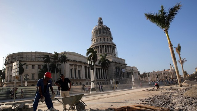 Władze Kuby legalizują inicjatywę prywatną