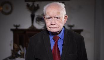 12-12-2017 17:15 Prof. Strzembosz do prezydenta Dudy: może pan się znaleźć na kartach historii jako negatywny bohater