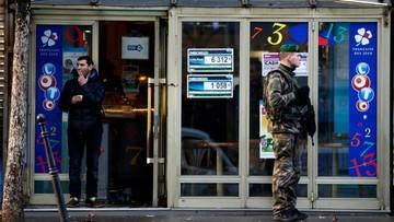 Próba zamachu na posterunek policji w Paryżu. Napastnik nie żyje
