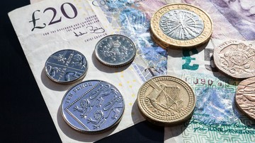 05-07-2016 13:40 Obniżył się kurs funta wobec dolara. Najbardziej od 31 lat