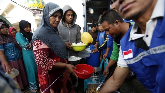 Indonezja: 45 tys. osób bez dachu nad głową po trzęsieniu ziemi