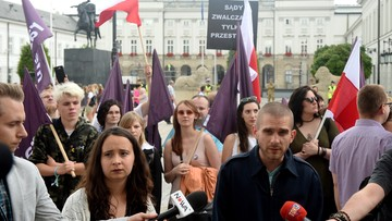 Manifestacja Razem przed Pałacem Prezydenckim