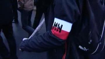 19-11-2015 13:09 Wrocław: demonstracja przeciwko uchodźcom. Spalono kukłę Żyda