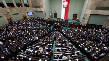 """22-06-2016 19:58 Sejm uchwalił tzw. """"pomostową"""" ustawę medialną, która wprowadza nową instytucję - Radę Mediów Narodowych"""