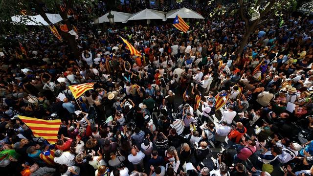Kolejny dzień protestów w Katalonii. Władze wysłały tysiące policjantów