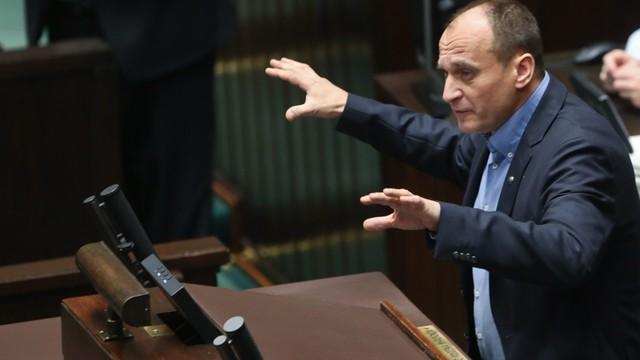 Kukiz'15 krytykuje PiS - obsadzają stanowiska zamiast reformować kraj