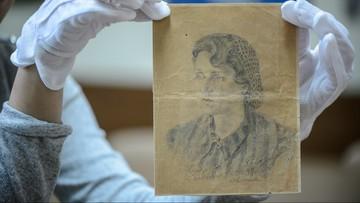 22-10-2016 14:34 Rysunek więźniarki Majdanka trafił do muzeum. Został odnaleziony we Francji