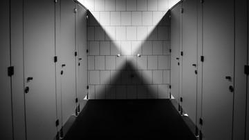 02-06-2016 15:02 Nagrywał mężczyzn w toalecie galerii handlowej